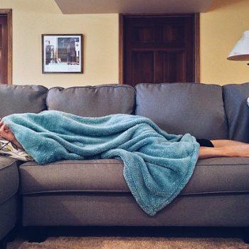 Zapalenie krtani czy koronawirus, angina, przeziębienie...